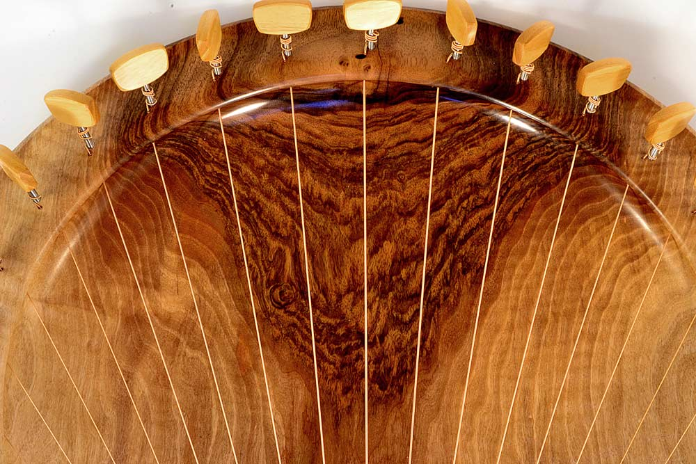 Lyre Bowl In Walnut – 17strings